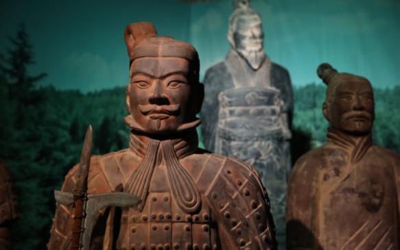 esercito-di-Terracotta-e-il-Primo-Imperatore-della-Cina-620x388