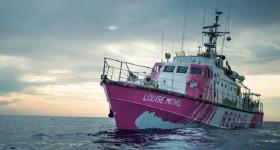 La-barca-di-Banksy-per-i-migranti